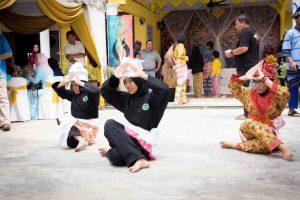 aimedia_Kak Long Kak Ngah-100
